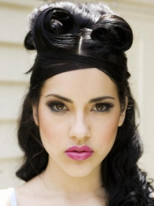 Pin Up Girl Chic Half Updo