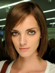 Flirty Medium Bob Hair Style