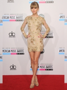 Taylor Swift in Zuhair Murad at the 2012 AMAs