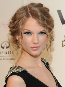Taylor Swift Spiral Curly Updo