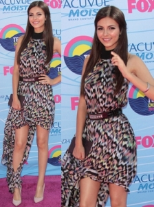 Victoria Justice Gomez-Gracia Mullet Dress