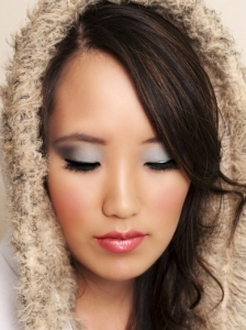 Lovely Grey Eye Makeup