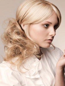 Romantic Blonde Ponytail Hairstyle