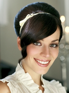 Lovely Retro Updo Hair Style