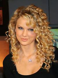 http://static.becomegorgeous.com/img/articles/how_to_get_taylor_swifts_hairstyle_step_by_step.jpg