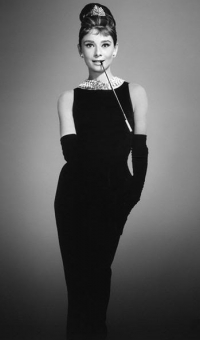 Style Icon Audrey Hepburn kept it simple and had very elegant