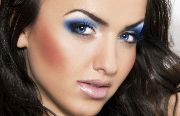 Holiday Makeup - Blue Smokey Eyes Tutorial