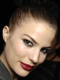 Makeup Trend of Fall Winter 2008-2009 - Red Lips