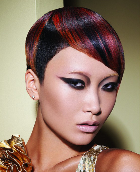Short haircuts for summer 2009 - here are the latest trends in short hairstyles with beautiful hairstyle and haircut photos and the hottest short crops, pixie cuts and mini bob of the season.