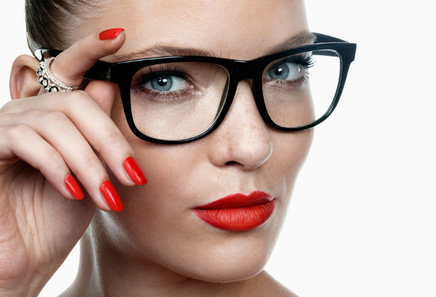 Eye Makeup Tips for Eyeglass Wearers