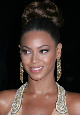 Beyonce hairstyles from the red carpet hair type is not a decisive factor when it comes to hairstyling as beyonce clearly demonstrated inspire yourself from this diva of hairstyling and you will solutioingenieria Image collections