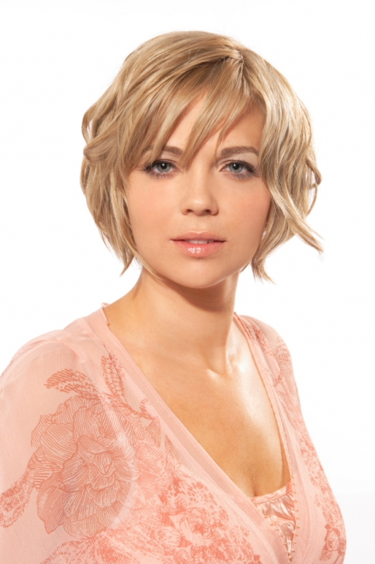 pictures of hairstyles for fat round faces. Haircuts for Round Face Shapes