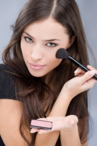 Makeup Tips to Slim Your Face