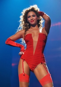 Beyonce Wins 3 Awards at the 2009 MTV EMAs