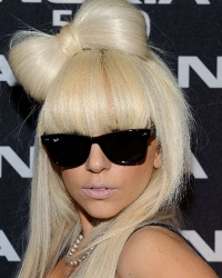 How to Style Lady Gaga Bow Hairstyle