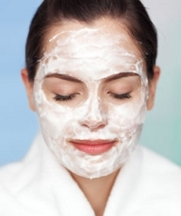 How to Apply Facial Masks