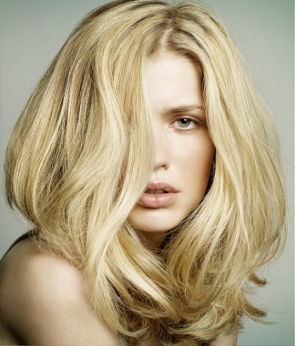 blonde hair. How to Maintain Blonde Hair