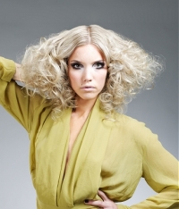 How to Maintain Blonde Hair Color