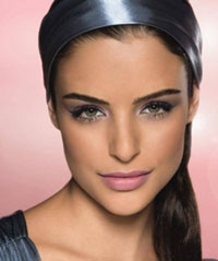 Get the Girl Next Door Look With Make-up