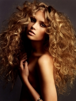 glam curly hairstyle
