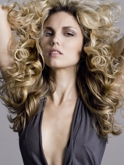 glam volume curly hairstyle