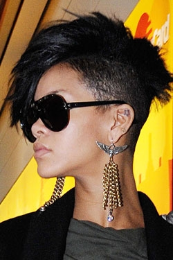 one side shaved hairstyle : Pics Photos - Rihanna S One Shaved Side Hairstyles