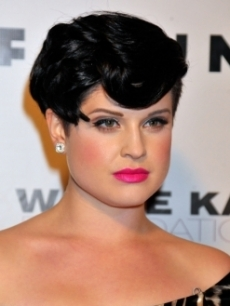 Kelly Osbourne Vintage-Rockabilly Hairstyle