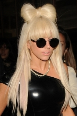 lady gaga bow hairstyle