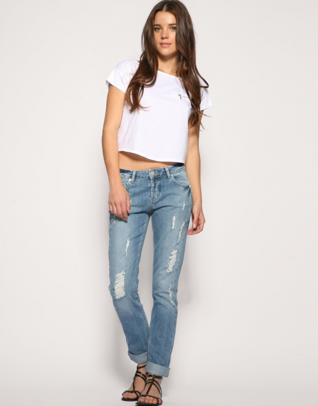 b87236d16aab8 Best Jeans for Slender Short Women.