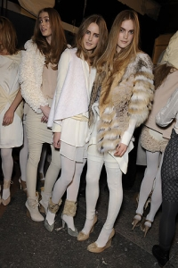 Fall/Winter 2010 White Tights Fashion Trend