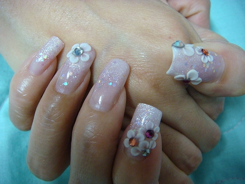 romantic nails - pink with white flowers