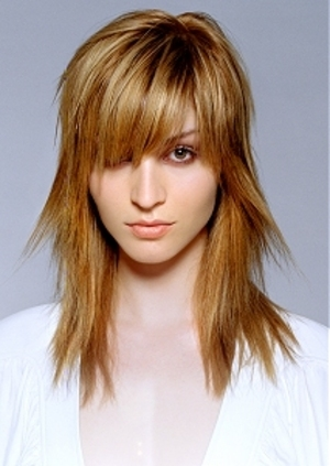 long layered hair Casual: Several Cute Teenage Hairstyles That You Can Try