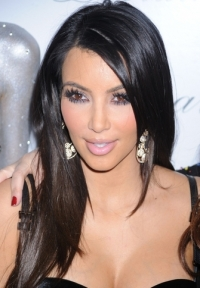 Celebrity Long Earrings Trend 2010