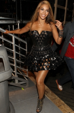 Beyonce Stage Outfit 2010 Grammys
