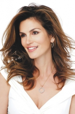 Cindy Crawford Wearing Own Jewelry Designs