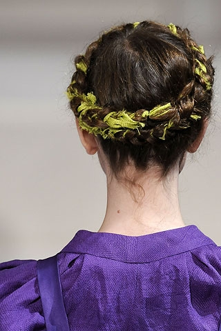 In order to sport a similar catwalk-style hairdo all you have to do is