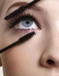 Thicken Eyelashes Naturally