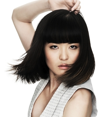 When choosing a bob haircut it is essential to take the face shape into
