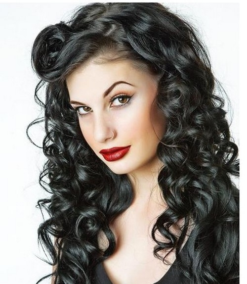 long_black_curly_hairstyle_with_curly_side_bangs.jpg