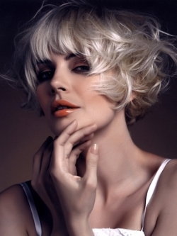 Layered Curly Bob Hairstyles with Bangs
