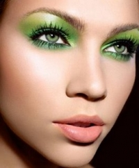 Green Eyes Make Up 2010