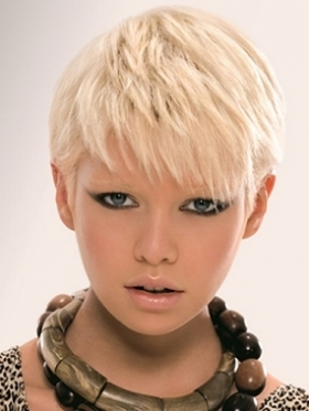 Choose a messy short hairstyle this summer if short hairstyles suit