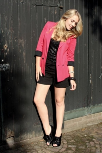Shorts and Blazer Summer Style Tips