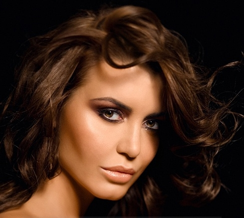 makeup for casual, daytime occasions as tanned skin has a certain glow