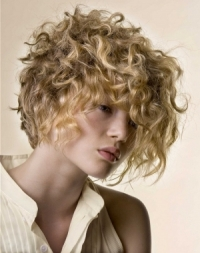Luscious Medium Curly Hair Styles
