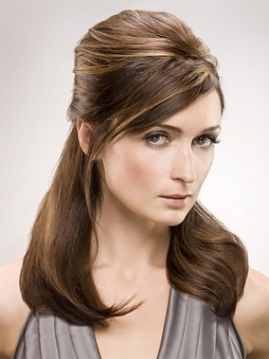 easy hairstyle ideas. give this hairstyle a try.