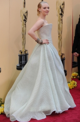 Amanda Seyfried In Armani Prive