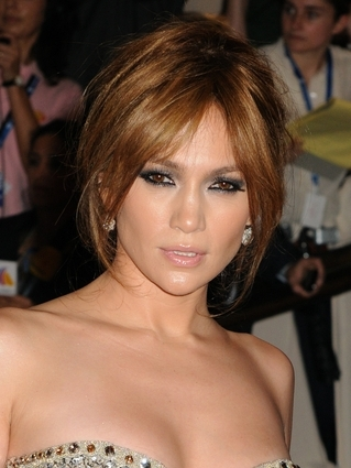 jennifer lopez hairstyles with bangs. hot Jennifer Lopez Hairstyle