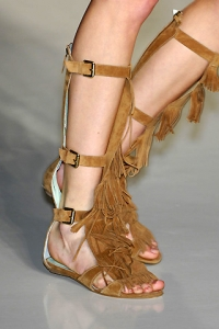 How to Wear Fringe Sandals