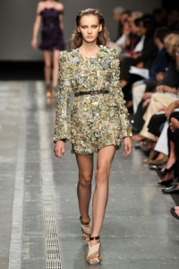 2010 Spring Summer Glittery Fashion Trend